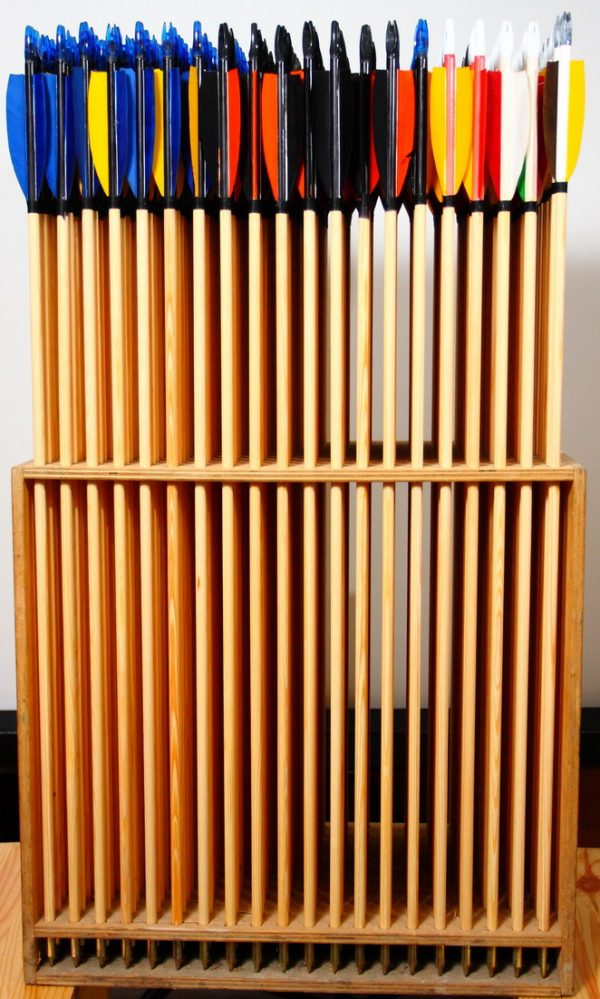 Traditional wood arrows 10 pieces with plastic nock-1104