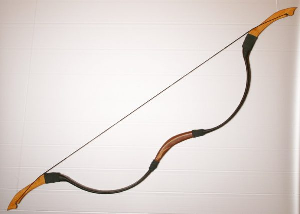 Traditional Mongolian recurve bow T/281-562